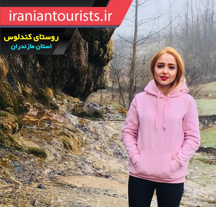 گردشگر زن در روستای زیبای کندلوس مازندران