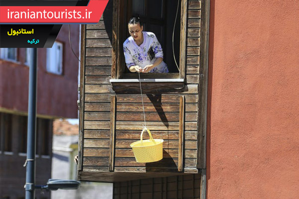 خرید نان در دوران قرنطینه، استانبول ترکیه