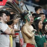 خواندن سرود ملی کشور مکزیک